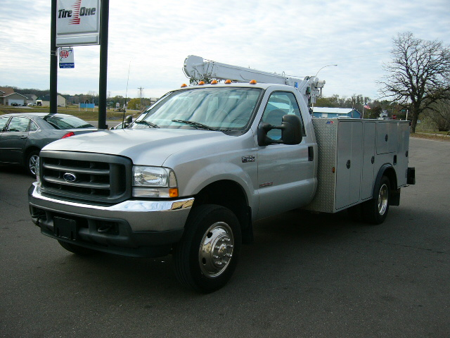 2003 Ford 550