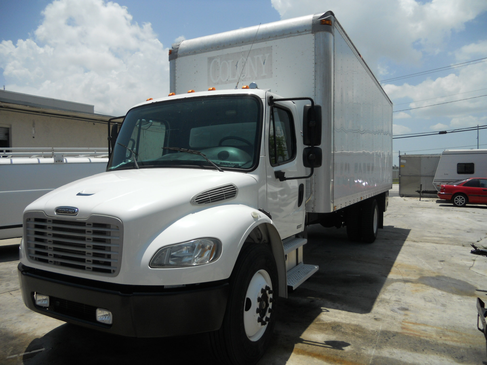 2004 Freightliner BUSINESS CLASS M2 106